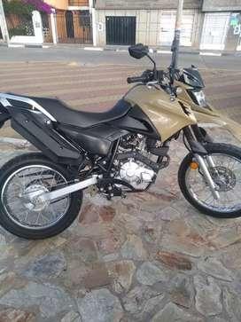 Vendo moto yamaha 2020