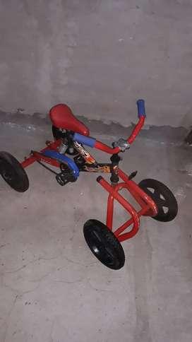 Cuatriciclo a pedal KID'S reforzado