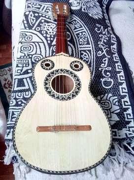 vendo vihuela hecha en Mexico