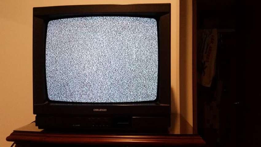 Televisor Challenger 19 pulgadas