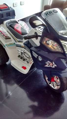 Moto Electrica para Niño PERFECTO ESTADO, Excelente regalo de Navidad!!