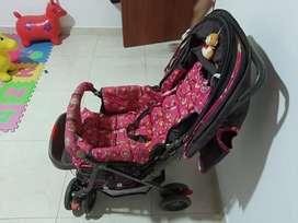Coche y caminadora para bebé