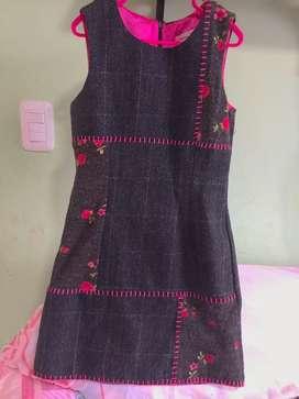 Se vende vestidos para niña de 6-7años