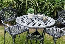 Juego de jardin mesa +4 sillas en fundicion