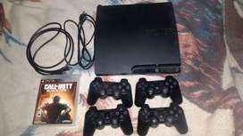 Play Station 3 + 4 controles + 1 juego