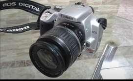 Canon Eos XTI Dig con dos lentes