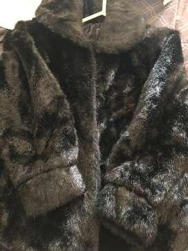 Saco peluche negro seminuevo