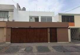 Excelente casa de dos pisos en Valle Hermoso