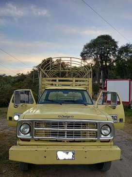 Se vende Dodge 300