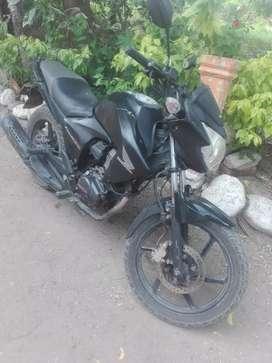 Moto CB 15O invita