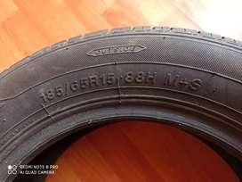 Llanta 185 65 R15 80 %vida útil sin reparaciónes