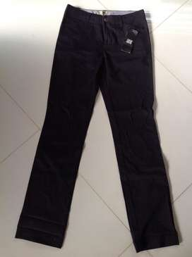 Pantalon ARMI Nuevo Talla 6