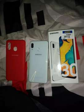Vendo galaxy A30 64gb blanco