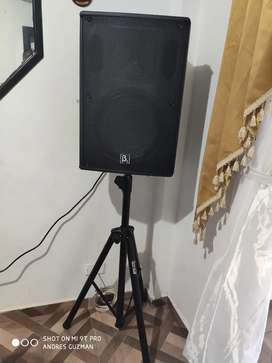 Cabina profesional beta three B3 con control base y micrófonos