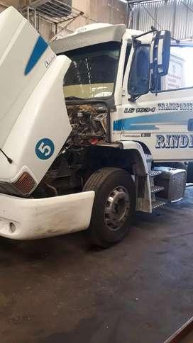 Se busca oficial mecanico para camiones