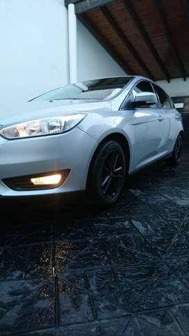 Ford Focus 1.6 S Hatchback