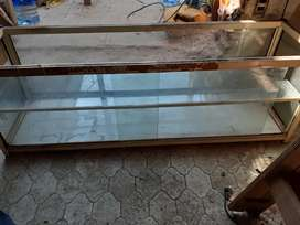 Exhibidor de vidrio. 1,40 mts x 47 cm