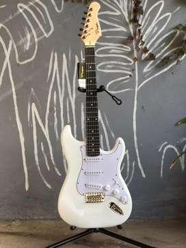 Guitarra electrica stratocaster Parquer