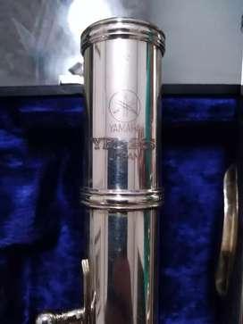 Sé vende Flauta yamaha ref YFL26 llaves abiertas