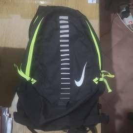 Mochila Nike runnig 15 litros