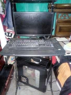 Computador de mesa en buen estado. 320Gb, 2 GB de RAM.