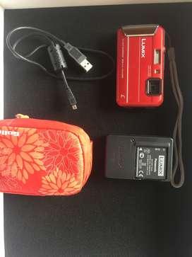 Cámara compacta Panasonic Lumix Roja