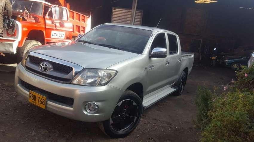 Vendo Permuto Toyota Hilux 2011 0