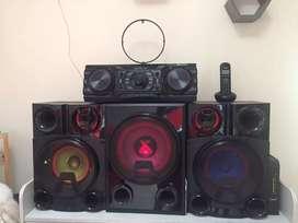 Se vende equipo de sonido marca LG