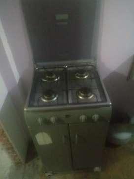 Estufa cocina 4 hornillas de gavetero