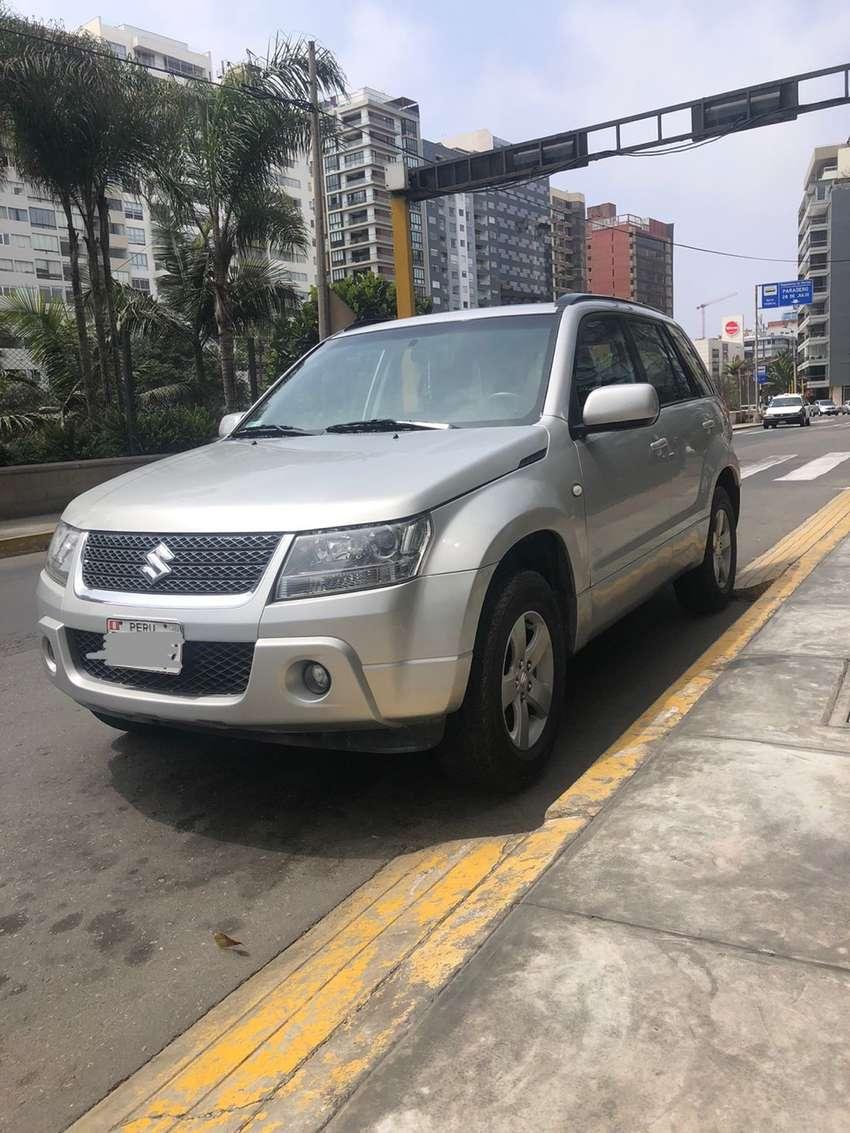 Vendo camioneta grand nomade Suzuki