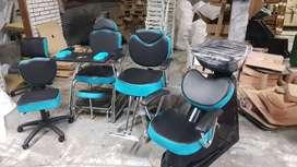 Lavacabezas, sillas de corte y uñas