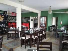Puerta a la calle ideal para restaurant OCASION!!! 3C.G
