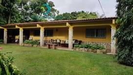 EL VALLE RANCH STYLE HOME IN A GREAT LOCATION AT A GREAT SALES PRICE