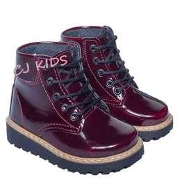 Hermosas botas para niña