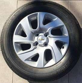 Llanta Aleación Chevrolet Spin y Neumático Bridgestone 195/65r15