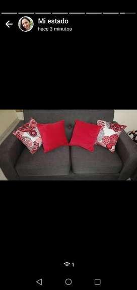 Vendo Sala Sofás de 2y3 Puestos Y 4 Coji