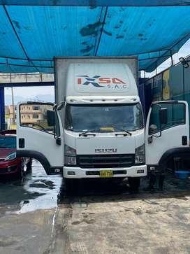 Alquilo furgón de 6 tm con rampa hidráulica