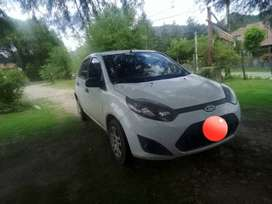 Ford fiesta max 1.6 impecable 2011