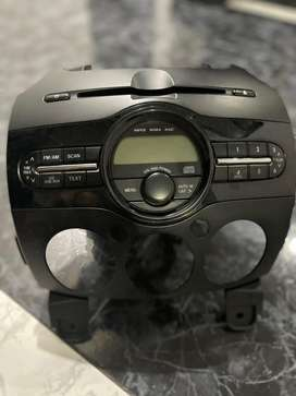 Vendo radio original para mazda 2