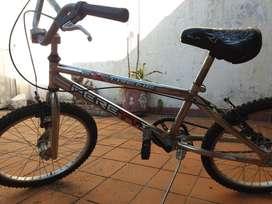 Bicicleta peretti extreme freestyle