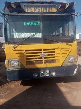 Venta de bus catarpillar operativo de 50 pasajeros