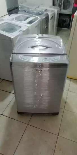 Lavadora 32 libras, haceb, digital, buen estado