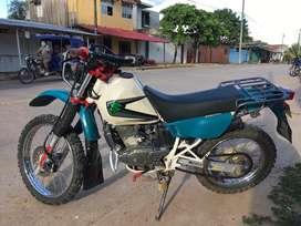Suzuki DR 200 SE -II