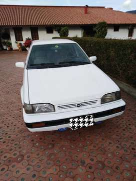 Hermoso Carro Mázda 323 M92