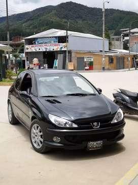 Se vende hermoso auto Peugeot 206