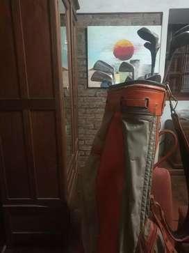 Palos de golf + bolso + pelotas