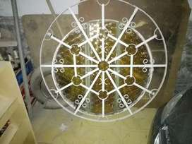 Vendo ventana redonda con vidrios y reja