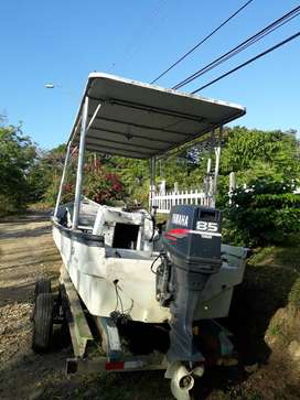 Lancha de 25 pies, Fish finder, motor Yamaha de 85 caballos, NEGOCIOBLE