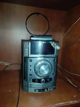 Equipo de sonido LG en excelente estado
