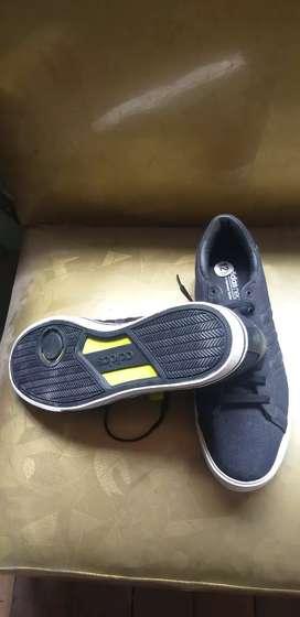 Vendo zapatillas Neo